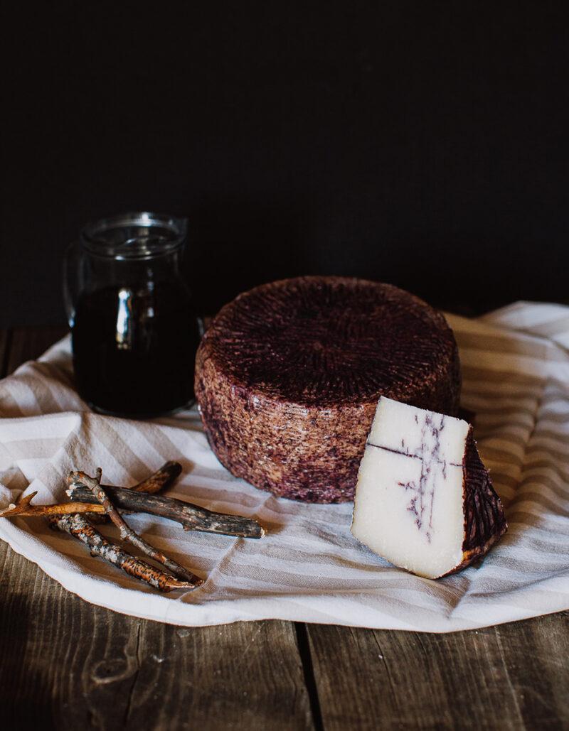 Divino - formaggio a latte crudo biologico vaccino di Gregorio Rotolo